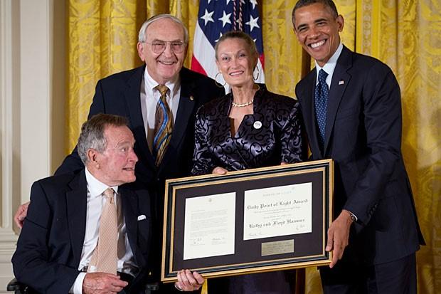 Obama Honors Bush